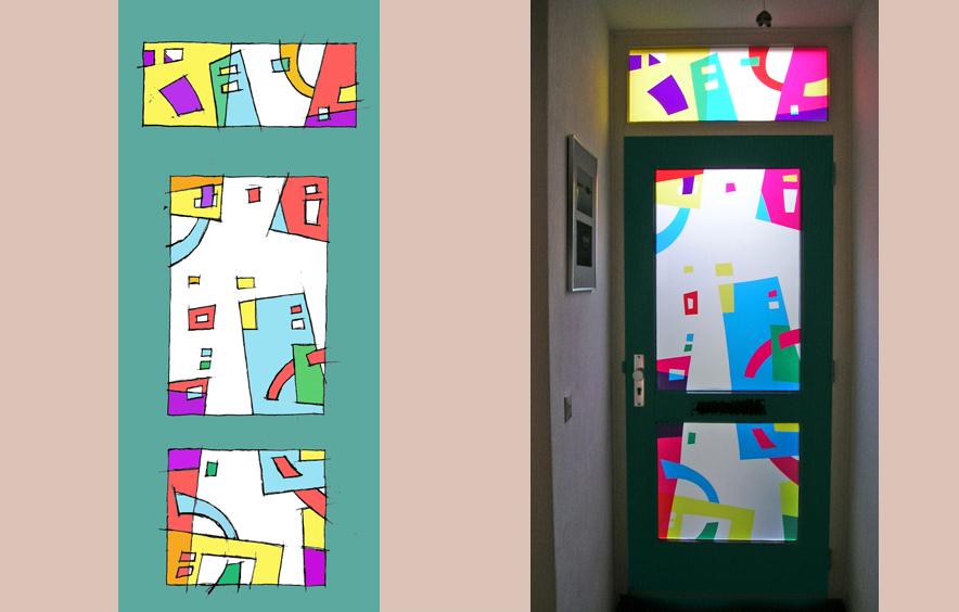 Glaskunst - ontwerp voordeur<br>Materiaal: transparant plastic op mat glas. Opdracht om een voordeur 'aan te kleden' met een abstracte vertaling van stedelijke vormen. Associaties met gebouwen en snelwegen. Particuliere opdracht.